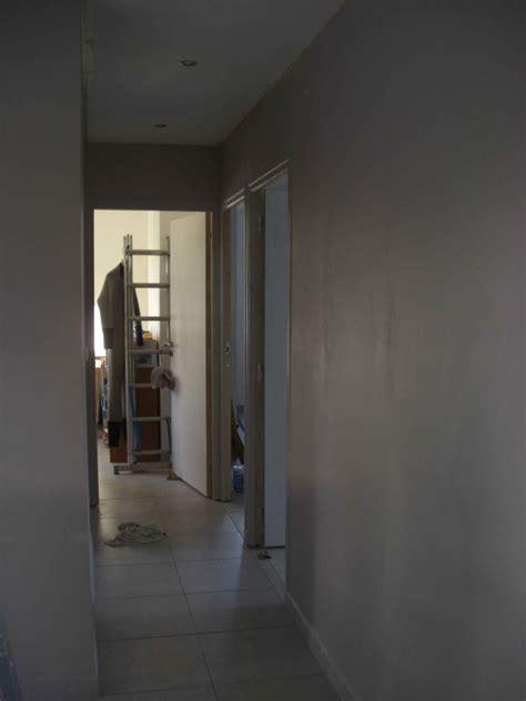 idee peinture couloir maison design deyhouse