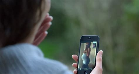 apple airs new iphone 5 commercial facetime every day