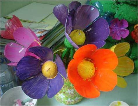 fiori con i bicchieri di plastica liberodiscrivere fiori di plastica