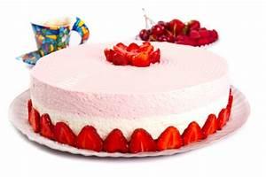 Torte Mit Früchten : erdbeertopfen cremetorte rezept ~ Lizthompson.info Haus und Dekorationen