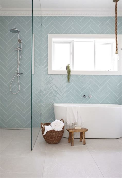 Glass Subway Tile Bathroom Ideas by Best 25 Gray Subway Tiles Ideas On Gray