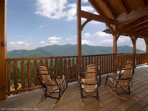 cabins of the smoky mountains gatlinburg tn gatlinburg cabin mountaintop mansion 9 bedroom sleeps 32