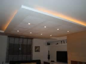 comment installer des spots dans un faux plafond faux plafonds plafond suspendu faux plafond conseils astuces devis