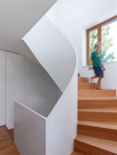 Treppenmaße halbgewendelte treppen maße elledecor
