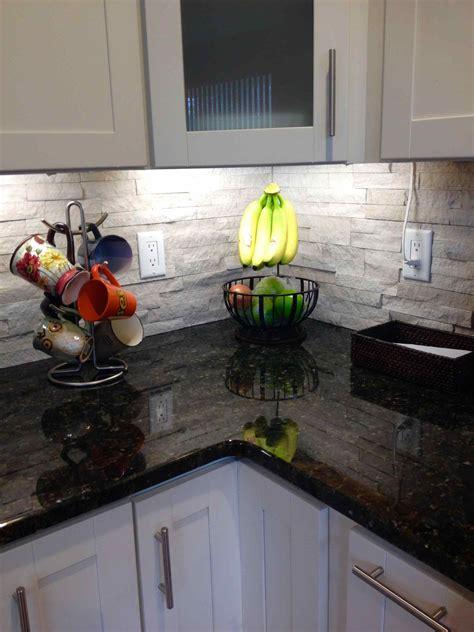 White Stone Kitchen Backsplash Deductourcom