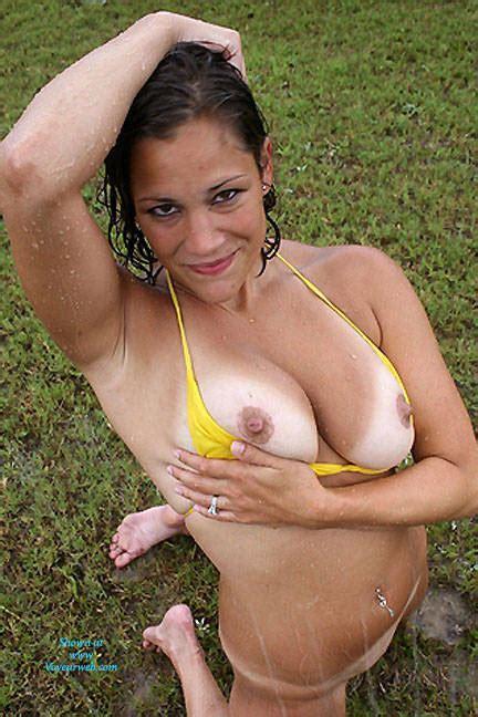Big Tits In Yellow Swinsuit October 2016 Voyeur Web