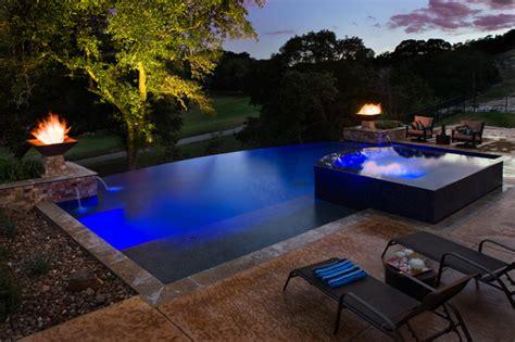 negative edge pool   edge spa contemporary