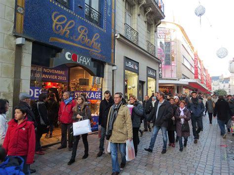 ouverture magasin dimanche nantes nantes les commerces du centre ville retrouvent le sourire