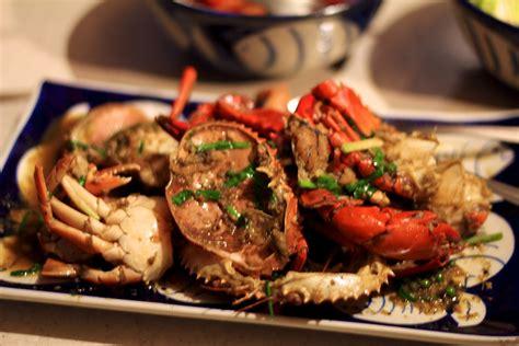 plats de cuisine plat de crabe avec sa sauce au poivre de kot