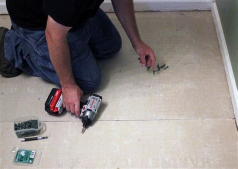 How To Install Floor Tile In Bathroom by How To Install Bathroom Floor Tile How Tos Diy