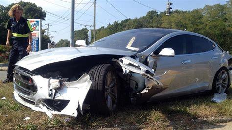 Tesla Model S Crash by Tesla Model S Crash 06 Groen7