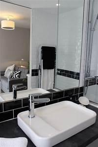 Salle De Bain 3m2 : zoom sur la salle d 39 eau de moins de 3m2 contemporain ~ Dallasstarsshop.com Idées de Décoration