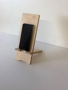 Handy Selber Bauen : handy zubeh r handyhalter aus holz ein designerst ck von schreinerei maier bei dawanda ~ Buech-reservation.com Haus und Dekorationen