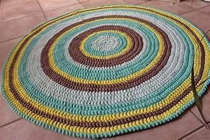 Tapis En Crochet : tutoriel pour un tapis rond crochet en brides faitenchiffon ~ Teatrodelosmanantiales.com Idées de Décoration