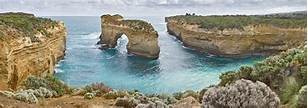 File:Island Archway, Great Ocean Rd, Victoria, Australia ...