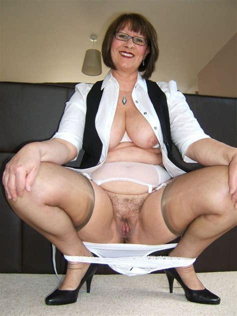 classy older woman shows full vagina mature porn pics
