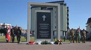 Fenster Aus Ungarn : bundesheer bundesheer im kosovo allerheiligen kranzniederlegung am soldatenfriedhof in pec ~ Markanthonyermac.com Haus und Dekorationen