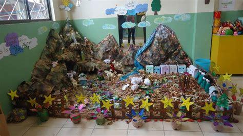 modelos de nacimientos navidenos  material reciclado