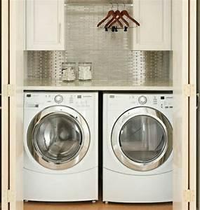Trockner Auf Waschmaschine Schrank : kleine waschk che fliesenspiegel waschk che pinterest waschk che w sche und waschraum ~ Frokenaadalensverden.com Haus und Dekorationen