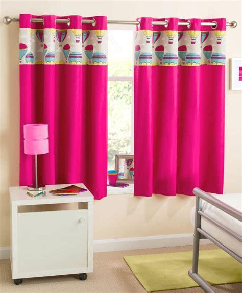 Kinderzimmer Mädchen Pink by Kindergardinen Mit Lustigen Mustern Beleben Das Kinderzimmer