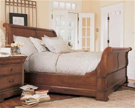 thomasville sleigh bed thomasville furniture warm cherry king sleigh