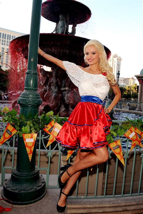 Holly Madison: Out and About | Top Chef Masters Photos