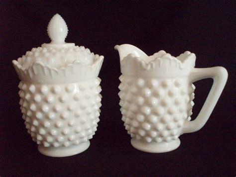 fenton milk glass www barntiquestore com north american gt fenton gt hobnail