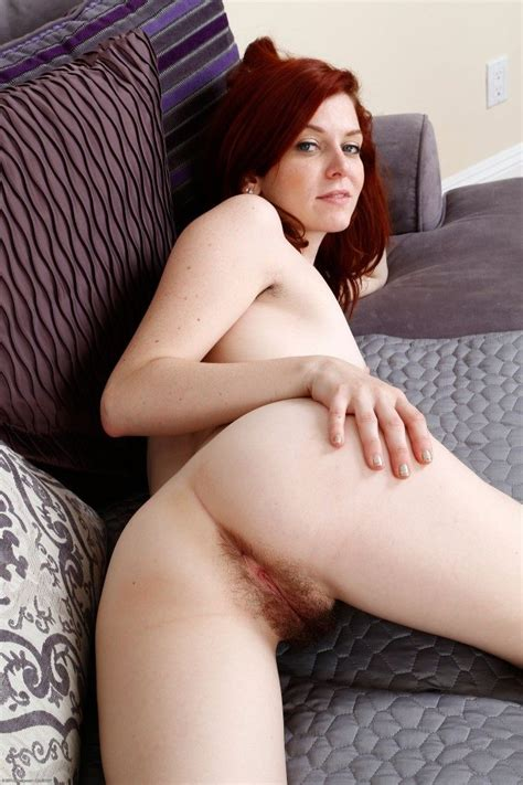 Natural Girl Emma Evins Spreading Her Hairy Pussy 1 Of 2