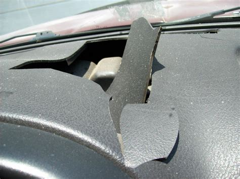 2002 Dodge Ram 3500 Cracked Dashboard: 17 Complaints