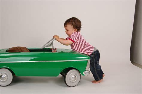 child children toy push gaya benda boy hukum cars newton pengaruh terhadap seguridad walker voiture viaggio enfant bebe retro dla