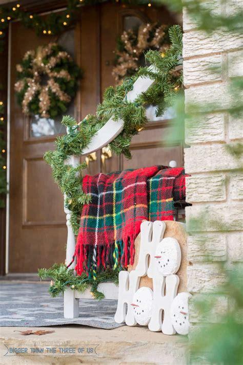 decorating  front porch  christmas bigger