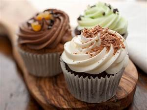 Cupcake Baking Tips : Food Network Easy Baking Tips and