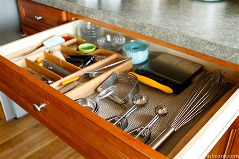 kitchen cabinet lining top 25 ideas about shelf liner laminate on 2595