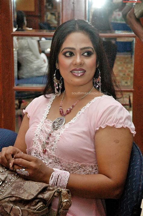 serial actress sivakavitha devipriya check out devipriya cntravel
