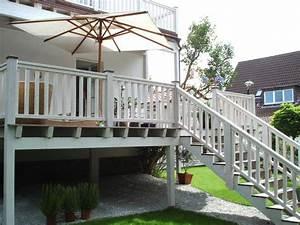 Erhöhte Terrasse Bauen : 10 bilder zu veranda aus holz auf pinterest leben unter freiem himmel verandas und terrasse ~ Orissabook.com Haus und Dekorationen