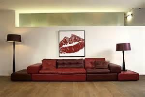 wandgestalten mit farbe raumgestaltung mit farbe lebhafte rote akzente gekonnt setzen