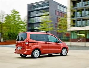 Ford Tourneo Courier Avis : nouveau ford tourneo courier br ve pr sentation ~ Melissatoandfro.com Idées de Décoration