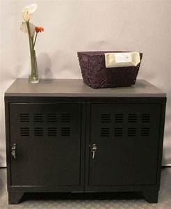 Meuble Deux Portes : meuble rangement m tallique 2 portes noir ~ Teatrodelosmanantiales.com Idées de Décoration
