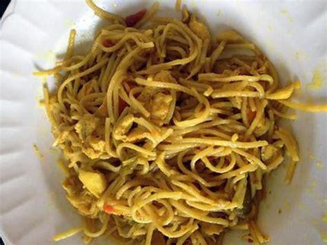 cuisiner des nouilles chinoises recettes wok poulet nouilles