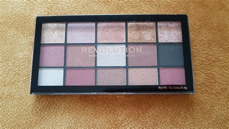 paleta senki za oci makeup revolution reloaded affection