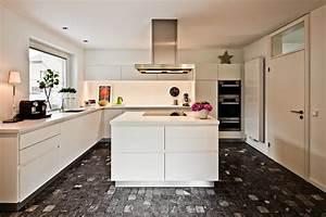 Küche Mit Kochinsel Günstig : umbau einer k che mit kochinsel in m nster raumfabrik ~ Watch28wear.com Haus und Dekorationen