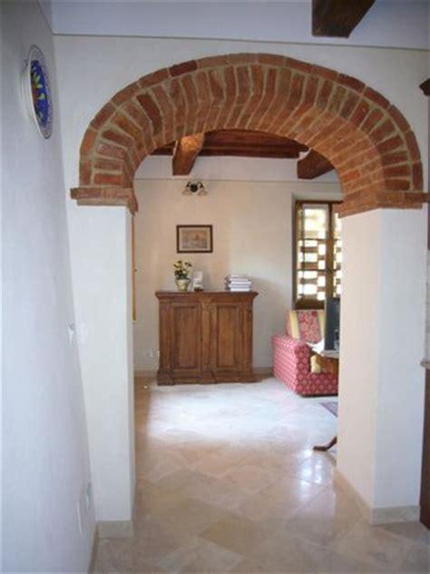 arco cucina soggiorno arco a sesto ribassato divide la cucina dal soggiorno