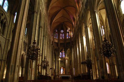 maison de la literie bourges file cathedrale bourges interieur jpg wikimedia commons