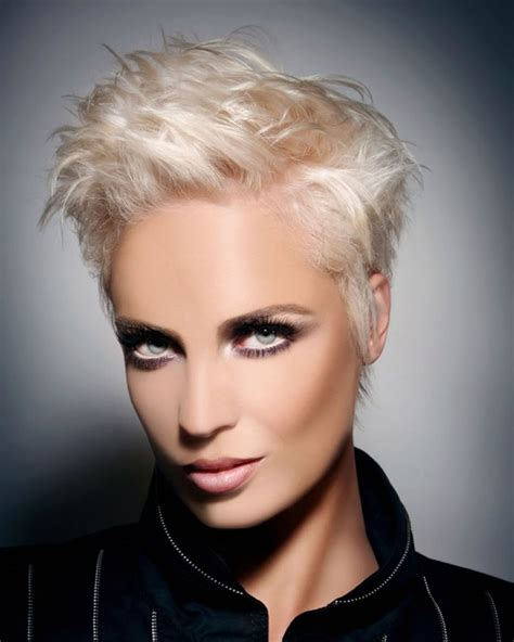32 Top Short & Pixie Hairstyles for Women with Fine Thin