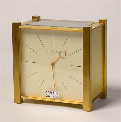 pendulette de bureau pendulette solaire de bureau en laiton doré cadran signé pa