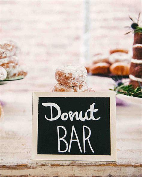 delicious ways  serve donuts   wedding martha