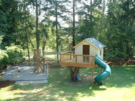 Treehouse In Backyard » Backyard And Yard Design For Village