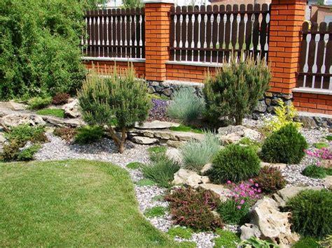 Welche Pflanzen Für Steingarten by Welche Pflanzen F 252 R Sonnigen Vorgarten
