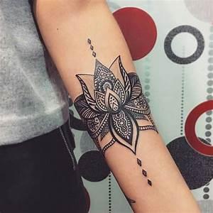 Tatouage Trait Bras : 21 tatuagens nos bra os para se inspirar para a sua pr xima tattoo p gina 7 de 8 123 tatuagens ~ Melissatoandfro.com Idées de Décoration