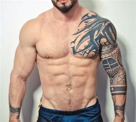 los  mejores tatuajes  hombres en el  mando